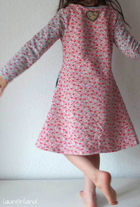 Lillesol Kleid mit amerikanischem Ausschnitt hinten
